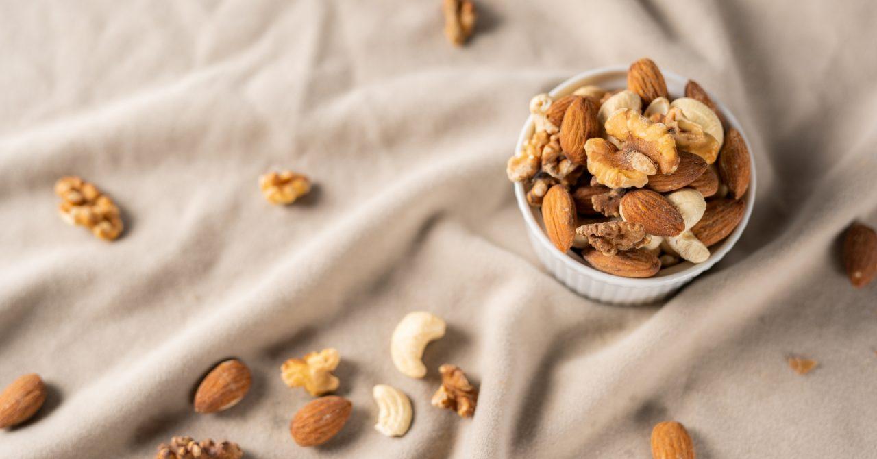 タンパク質を多く含むナッツ